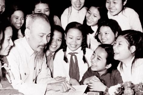 Toi De Lai Muon Van Tinh Than Yeu Cho Toan Dan Toan Dang Cho Toan The Bo Doi Cho Cac Chau Thanh Nien Va Nhi Dong