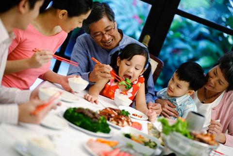 Xay Dung Hanh Phuc Gia Dinh Qua Nhung Bua Com Hang Ngay