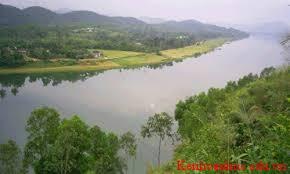 miêu tả con sông nhỏ mỗi ngày em đi qua để tới trường