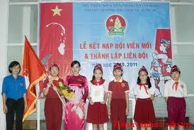 lễ kết nạp vào Đội TNTP HCM