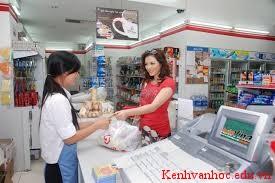 tả chị bán hàng ở cửa hàng bách hóa
